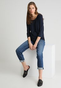 Tommy Hilfiger - GRAMERCY ANKLE LILITH - Jeans baggy - blue denim - 1
