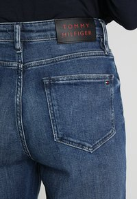 Tommy Hilfiger - GRAMERCY ANKLE LILITH - Jeans baggy - blue denim - 5