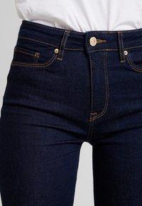 Tommy Hilfiger - COMO STEFFIE - Jeans Skinny Fit - denim blue - 3