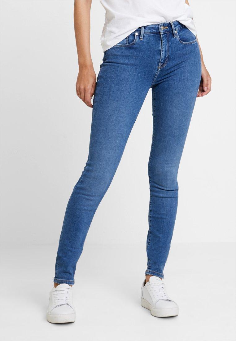 Tommy Hilfiger - COMO BUSA - Jeans Skinny Fit - blue denim