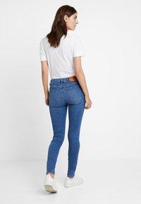 Tommy Hilfiger - COMO BUSA - Jeans Skinny Fit - blue denim - 2