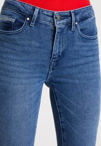 Tommy Hilfiger - COMO TESS - Skinny džíny - blue denim - 3
