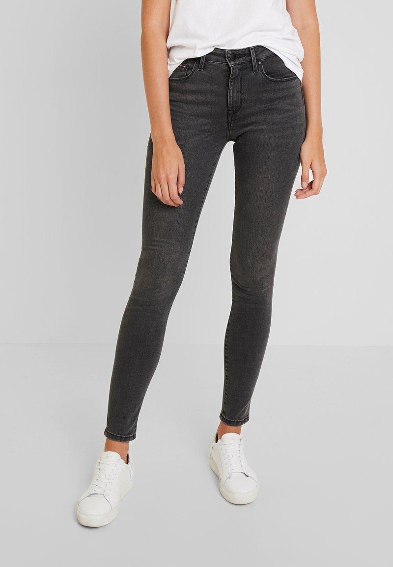 Tommy Hilfiger - COMO SKINNY - Jeans Skinny Fit - grey denim