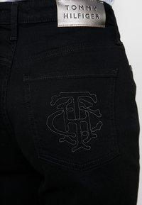Tommy Hilfiger - CLASSIC STRAIGHT - Straight leg jeans - balt - 5