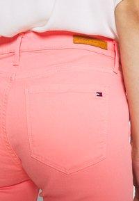 Tommy Hilfiger - COMO SKINNY - Skinny džíny - pink grapefruit - 3