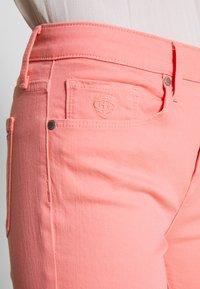 Tommy Hilfiger - COMO SKINNY - Skinny džíny - pink grapefruit - 5
