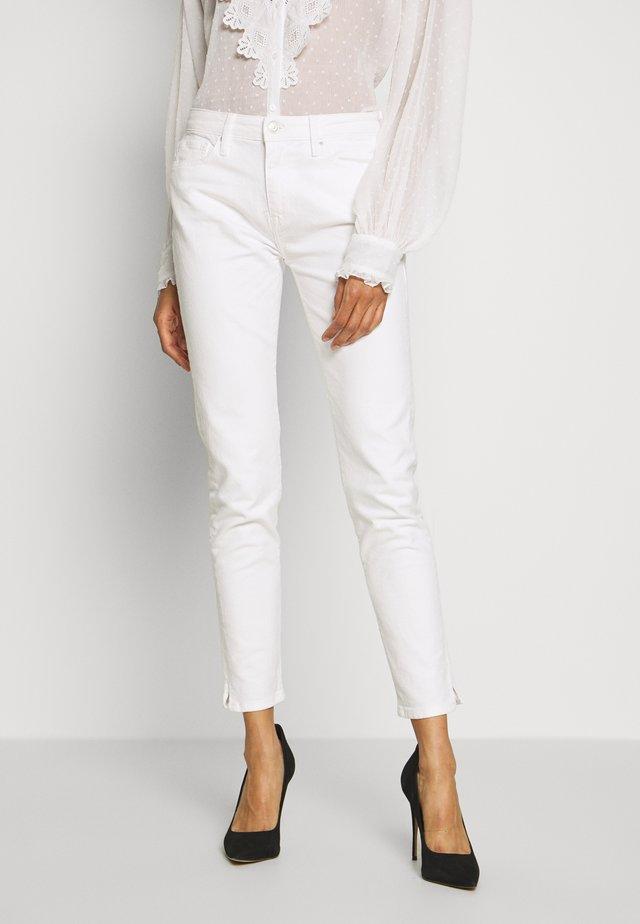 VENICE HANA - Vaqueros slim fit - classic white