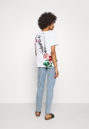 GRAMERCY TAPERED - Relaxed fit jeans - linde