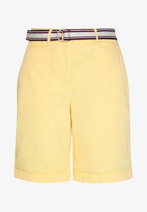 SLIM BERMUDA - Shorts - sunray