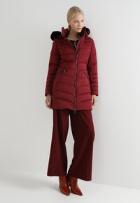 Tommy Hilfiger - APRIL COAT - Donsjas - red - 1
