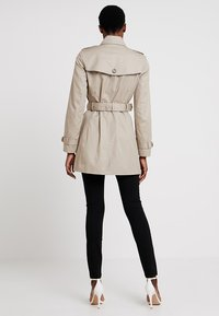 Tommy Hilfiger - HERITAGE SINGLE BREASTED - Trenchcoat - medium taupe - 2