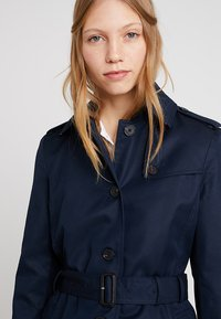 Tommy Hilfiger - HERITAGE SINGLE BREASTED - Trench - midnight - 3