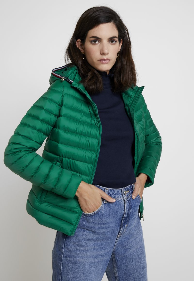 Tommy Hilfiger - ESSENTIAL - Down jacket - green