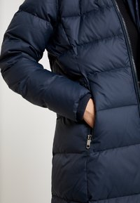 Tommy Hilfiger - NEW TYRA COAT - Abrigo de plumas - blue - 5