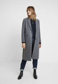 Tommy Hilfiger - ESSENTIAL CLASSIC LONG COAT - Zimní kabát - grey - 1