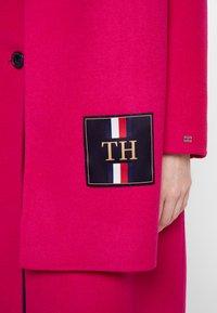 Tommy Hilfiger - BIANCA SCARF COAT - Płaszcz wełniany /Płaszcz klasyczny - bright jewel - 7