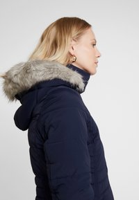 Tommy Hilfiger - NEW TYRA STRETCH INSULATION COAT - Winter coat - sky captain - 5
