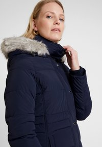 Tommy Hilfiger - NEW TYRA STRETCH INSULATION COAT - Winter coat - sky captain - 7