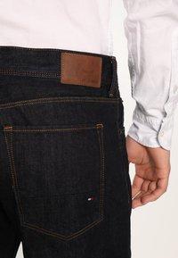 Tommy Hilfiger - MERCER - Straight leg jeans - vintage blue - 4
