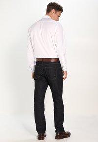 Tommy Hilfiger - MERCER - Straight leg jeans - vintage blue - 2
