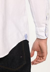 Tommy Hilfiger - IVY - Koszula - classic white - 4