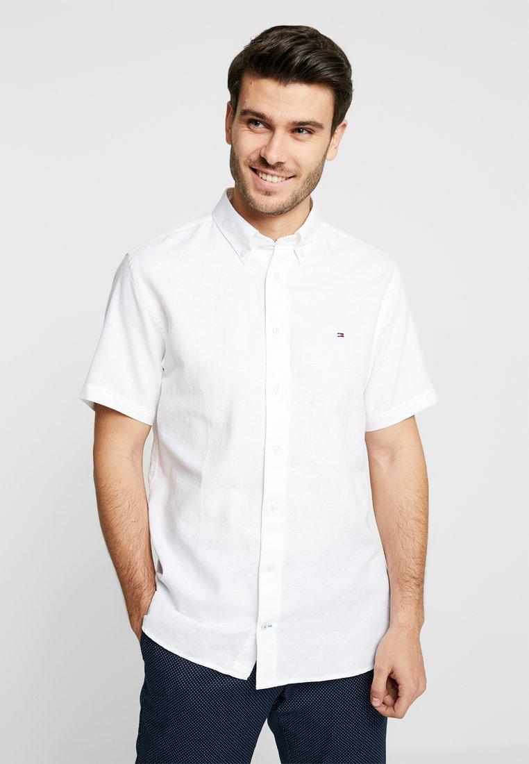 Tommy Hilfiger - DOBBY SHIRT - Camisa - white