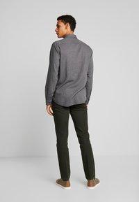 Tommy Hilfiger - BASIC - Camicia - grey - 2