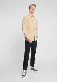Tommy Hilfiger - GARMENT DYED - Shirt - beige - 1