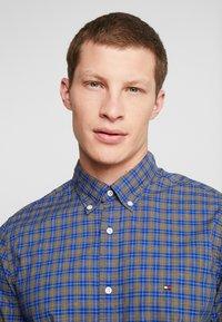 Tommy Hilfiger - ESSENTIAL TARTAN SLIM FIT - Shirt - blue - 6
