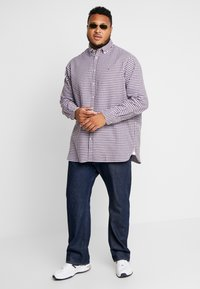 Tommy Hilfiger - CLASSIC TEXTURED REGULAR FIT - Overhemd - purple - 1