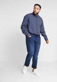 Tommy Hilfiger - DOT PRINT REGULAR FIT - Koszula - blue - 1
