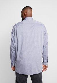 Tommy Hilfiger - FLEX DOBBY SHIRT REGULAR FIT - Shirt - blue - 2
