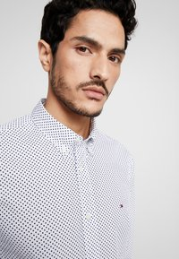 Tommy Hilfiger - DOT REGULAR FIT - Overhemd - white - 5