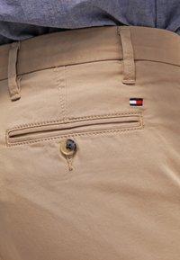 Tommy Hilfiger - DENTON - Chino kalhoty - khaki - 5