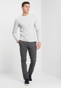 Tommy Hilfiger - DENTON - Chino - magnet - 1