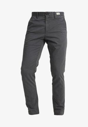 DENTON - Pantalones chinos - magnet