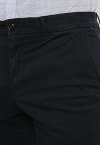 Tommy Hilfiger - CORE STRAIGHT FLEX - Chino kalhoty - blue