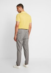 Tommy Hilfiger - ACTIVE PANT PUPPYTOOTH - Pantaloni - grey - 2