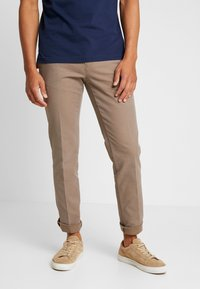 Tommy Hilfiger - DENTON STRUCTURE  - Chinos - camel - 0