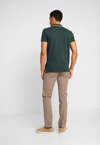 Tommy Hilfiger - DENTON STRUCTURE  - Chinos - camel - 2