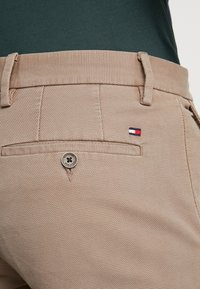 Tommy Hilfiger - DENTON STRUCTURE  - Chinos - camel - 5