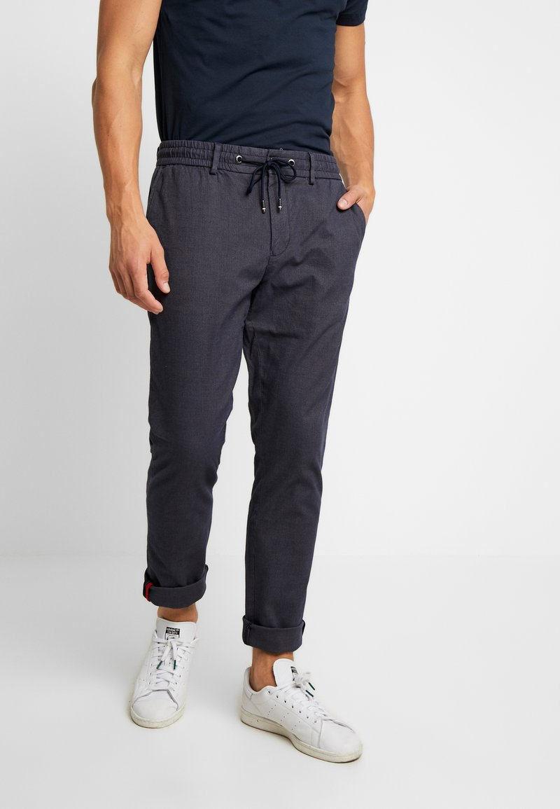 Tommy Hilfiger - ACTIVE PANT MINI STRUCTURE - Chino - blue