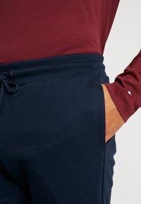 Tommy Hilfiger - COLORBLOCK - Teplákové kalhoty - blue - 4