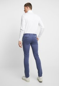 Tommy Hilfiger - BLEECKER - Chinos - blue - 2
