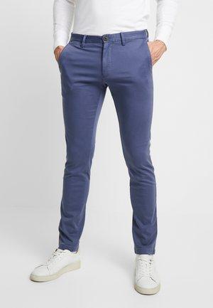 BLEECKER - Chino kalhoty - blue