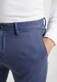 Tommy Hilfiger - BLEECKER - Chinos - blue - 5