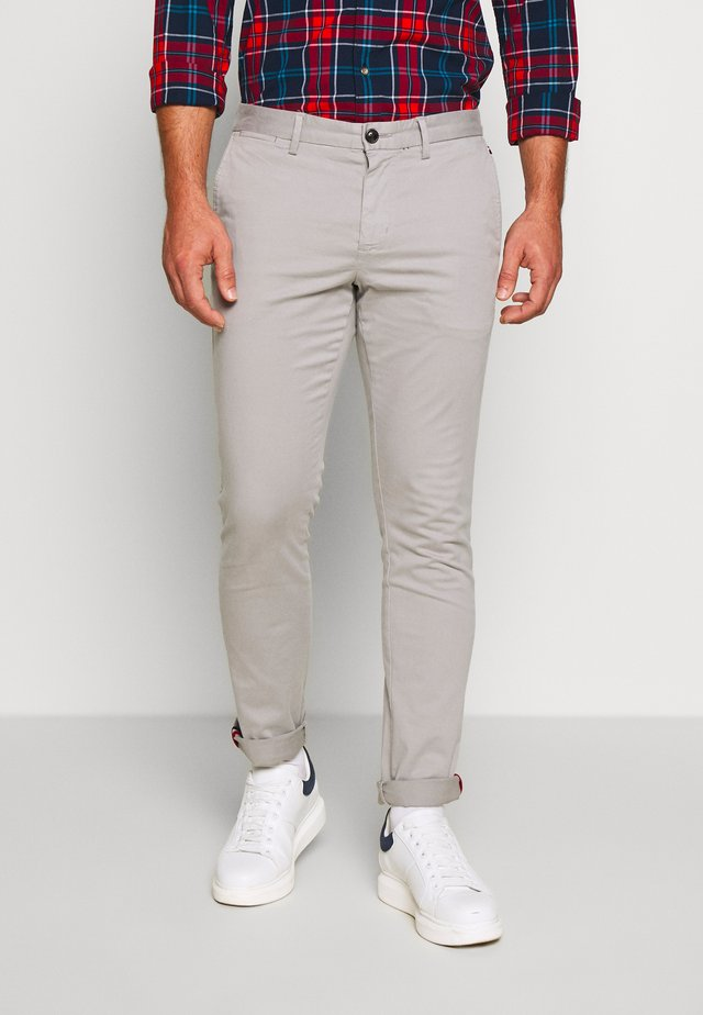 BLEECKER FLEX - Chinos - grey