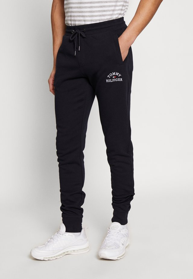 BASIC EMBROIDERED PANTS - Trainingsbroek - blue