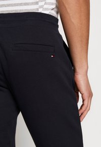 Tommy Hilfiger - BASIC EMBROIDERED PANTS - Trainingsbroek - blue - 2