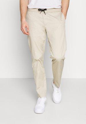 ACTIVE PANT SUMMER FLEX - Trousers - beige